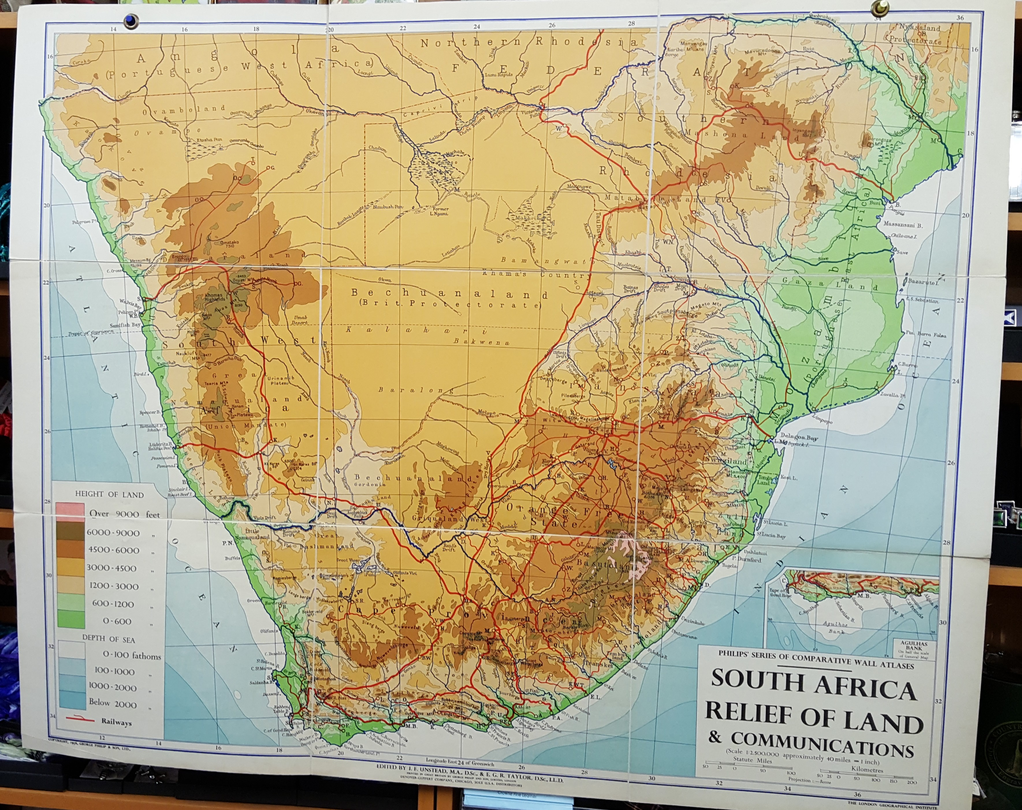 Image for Philips' Comparative Wall Atlas of South Africa - Relief of Land, Political and Communications