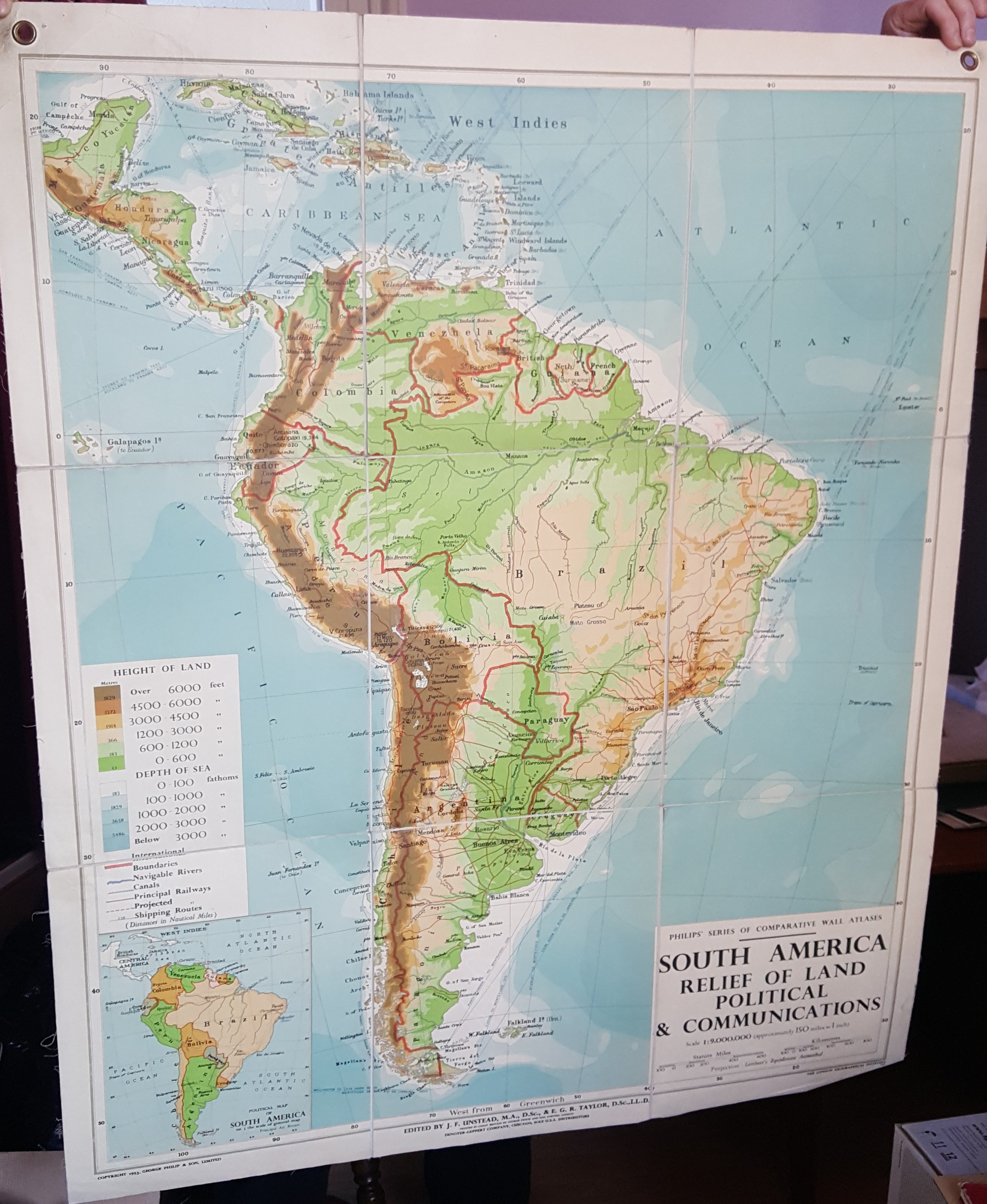 Philips' Comparative Series of Smaller School Maps - South America - Physical and Political.